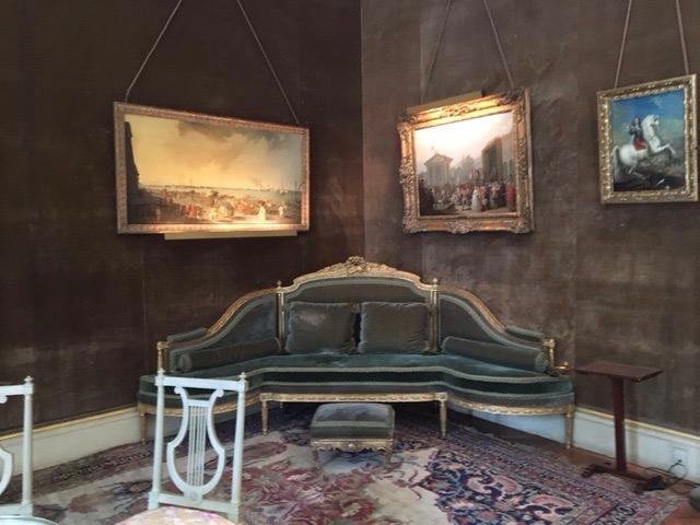 Canapé d'angle Louis XVI©HV