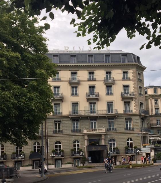Aujourd'hui, l'hôtel Beau-Rivage à Genève