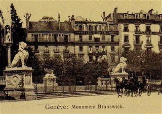 Dans l'ancien temps hôtel Richemond, derrière le monument Brunswick©tschelar.com