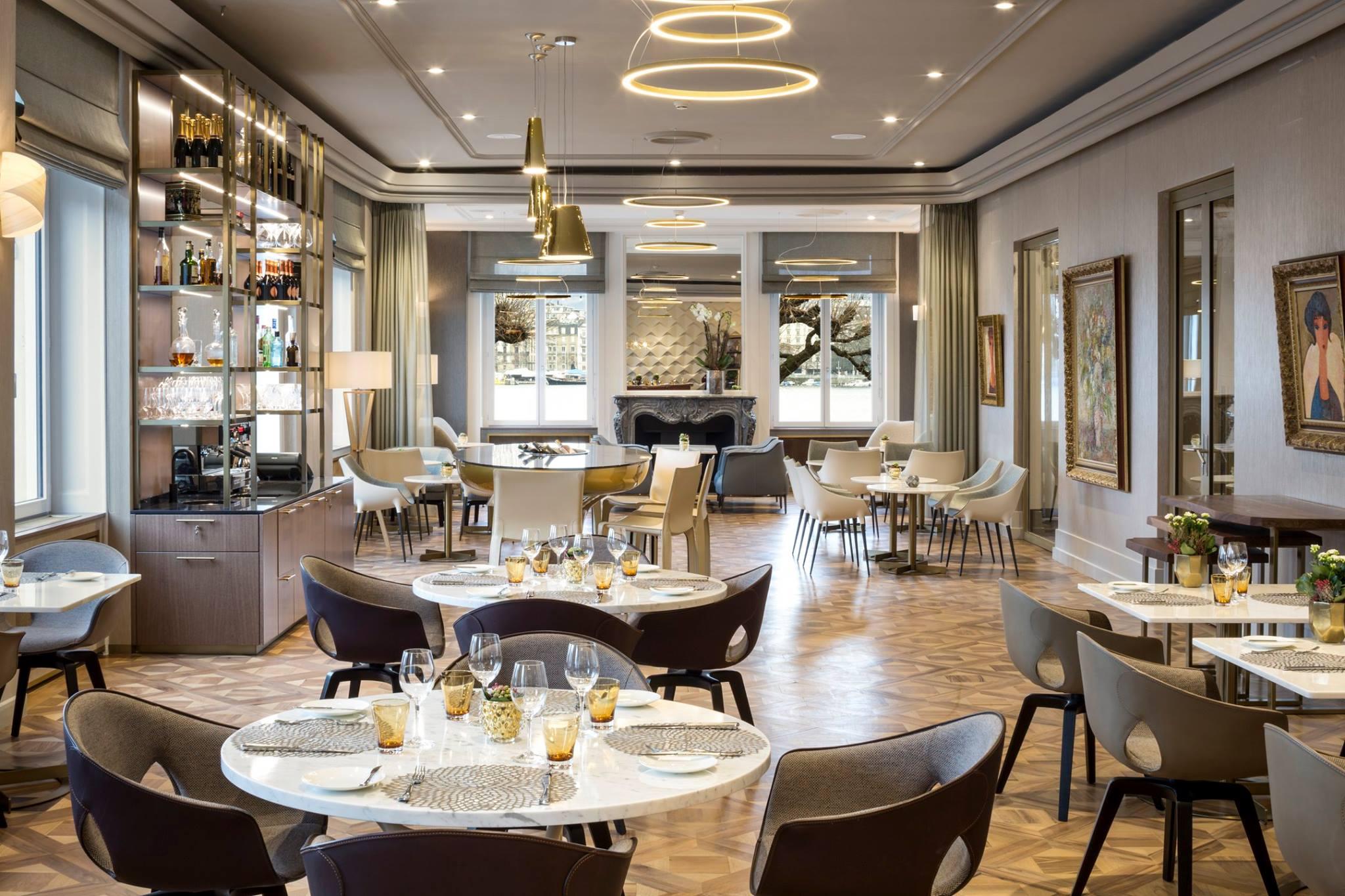 Le Living Room Bar & Kitchen, Hôtel de la Paix à Genève