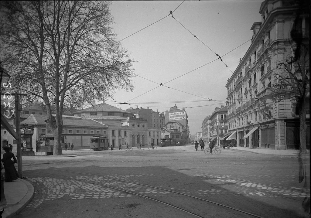 Place du Cirque vers 1900©∫@Centre d'iconographie genevoise